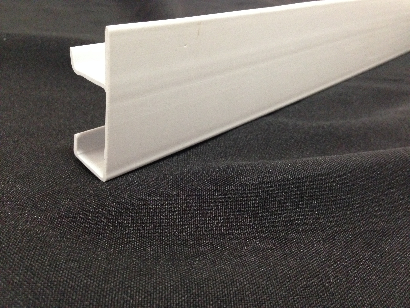 Perfil plástico para moveis